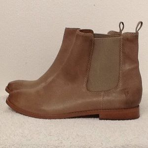 Frye Anna Chelsea styled boots